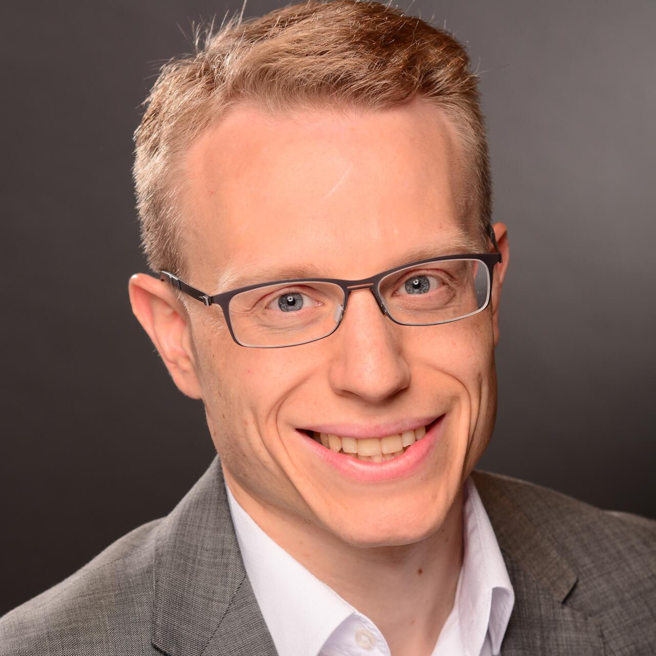 Dr.-Ing. Erik Esche